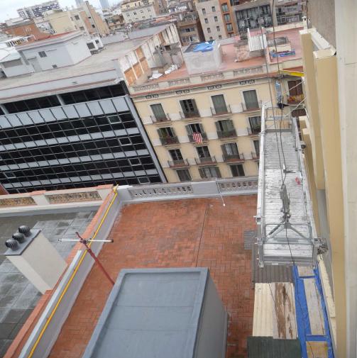 Aislamiento-integral-fachada-lateral-en-Barcelona-2