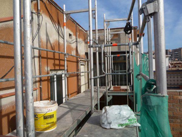 Aislamiento y restauración de patio de luces interior en Rambla San Sebastian
