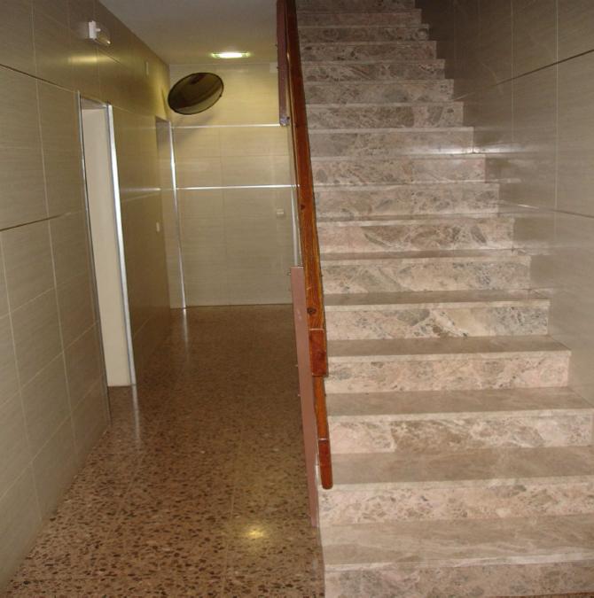 Rehabilitacion-integral-interior-vestibulo-6