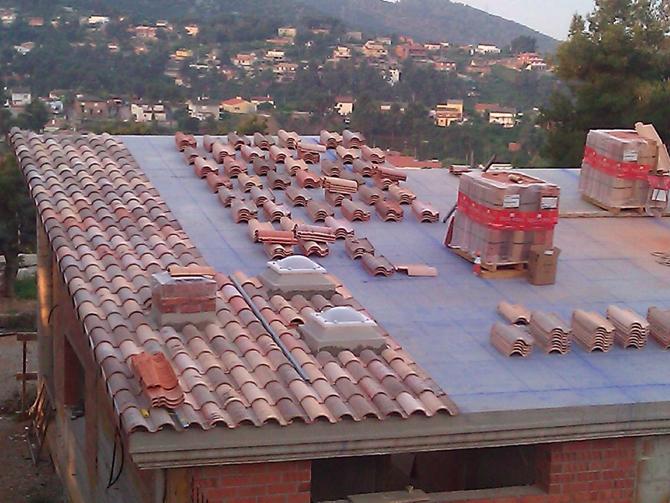 impermeabilizacion-cubierta-bajo-teja-en-urbanizacion-de-vallirana-15